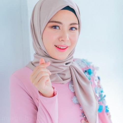 23745-5-cewek-muslim-korea-yang-gaya-fashion-hijabnya-bisa-kita-tiru.jpg