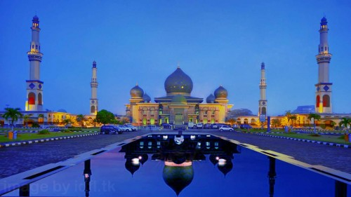 Things-to-do-in-Pekanbaru-Great-Mosque-An-Nur-Pekanbaru.jpg